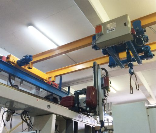 DOUBLE-BEAM OVERHEAD TRAVELLING HOISTS